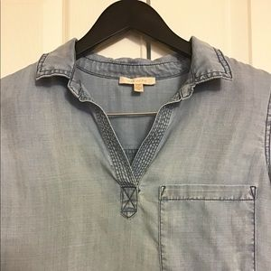 Skies Are Blue Chambray Shirt Size M